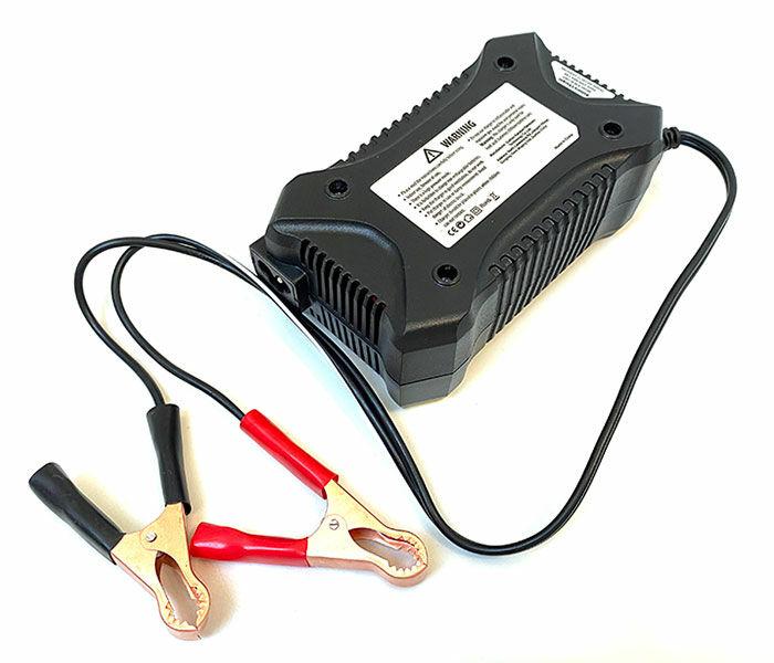 Akkumulátor töltő készülék